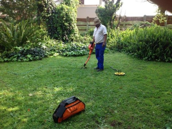 Tracing a pipe under a lawn